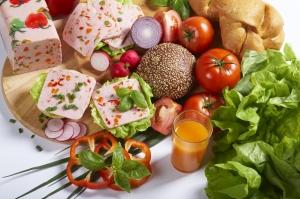 Blok drobiowy z warzywami ZM Pekpol idealny do pieczywa_fot. ZM Pekpol