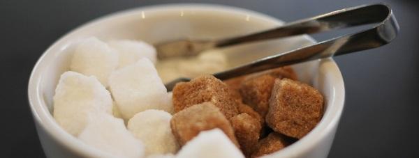 Polacy wciąż spożywają za dużo cukrów prostych i tłuszczów nasyconych