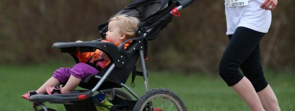 Spacery z dzieckiem - jak wybrać odpowiedni wózek?