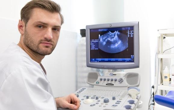 Dr Dawid Serafin fot. Gyncentrum