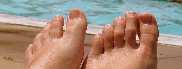 Jak zachować suche i świeże stopy latem?
