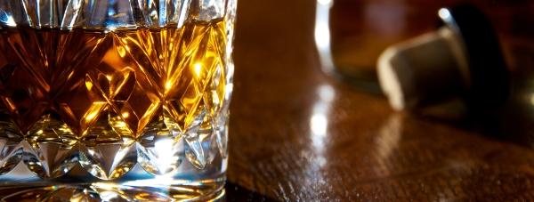 Blended whisky – jak powstaje najpopularniejsza szkocka?
