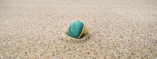 Na plażę w biżuterii - plażowe stylizacje