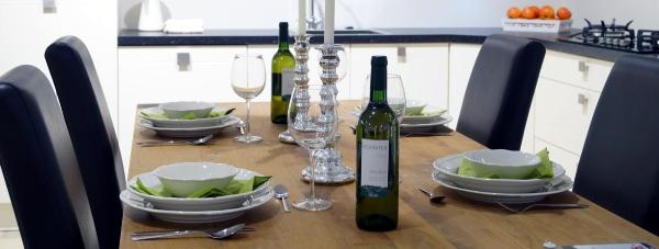 Elegancka kolacja? Nie obędzie się bez odpowiedniej zastawy stołowej!