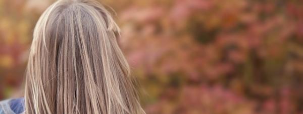 Farbowanie włosów na blond - praktyczne wskazówki i porady