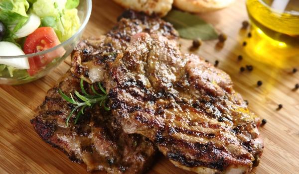 Greckie steki z karkówki na grilla