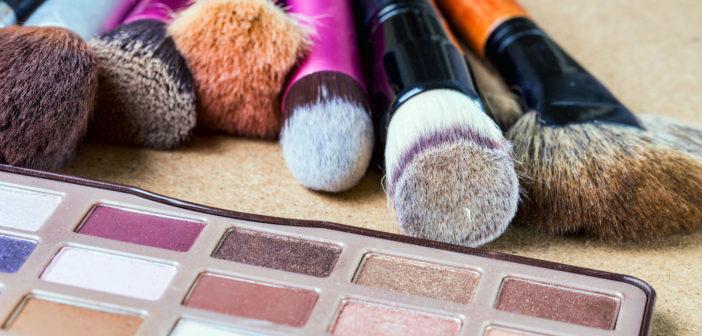Wieczorowy make-up - 6 kosmetyków i przyborów, dzięki którym wykonasz perfekcyjny makijaż