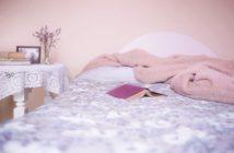 Mała sypialnia niezbędna w domu każdej kobiety – jak ją urządzić?