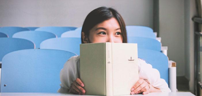 Jak zachęcić dziecko do nauki? Czy opłata za stopnie to dobry pomysł? Wyjaśniamy