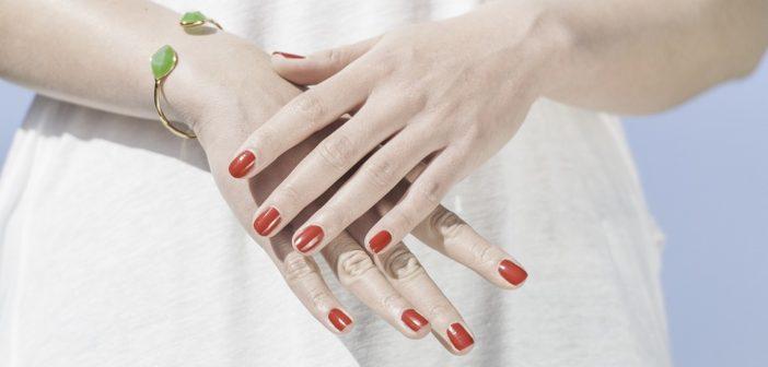 Manicure hybrydowy - jak się do niego zabrać?
