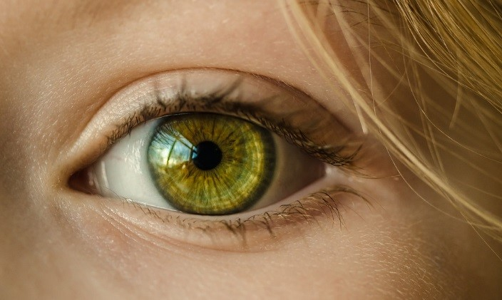 Płatki pod oczy – czyli luksusowa separacja powiek